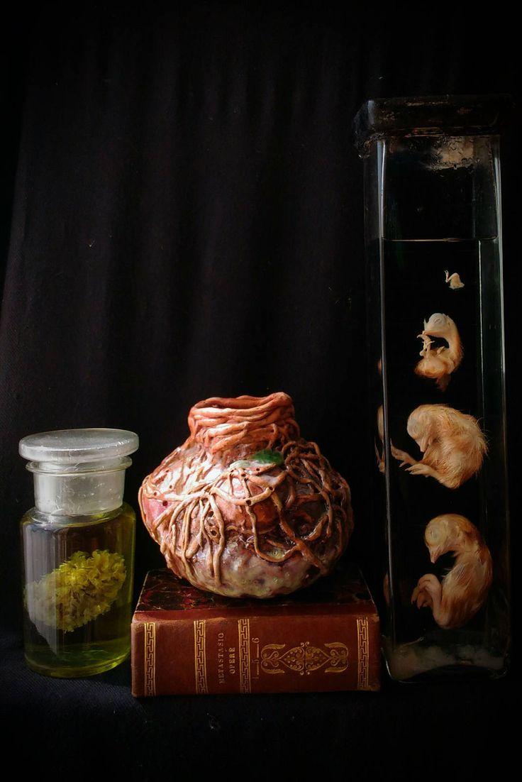 Ceramic worm sculpture vase Sculpture ceramic glass creepy oddities curious weird Vaso scultura vermi ceramica maiolica vetro arte artistico di studyartantique su Etsy