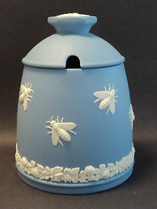 ≗ The Bee's Reverie ≗ Wedgwood Jasperware honey pot with bee decoration