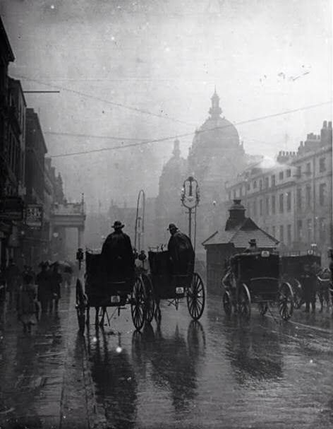Rainy London in the 1890s