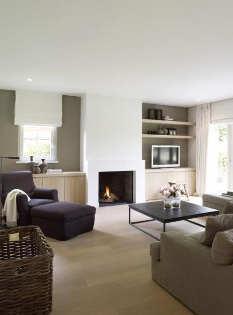 "Read More "" #Kampen #Fireplace #Fireplaces #Interieur #Kachelplaats #Inspiration #Home #Interior #Homedecor #Design"", ""TELEVISION reduced with modern-day fire place however include lengthy concrete fire place."" Read More "" Modern landelijk interieur satisfied vouwgordijnen en robuuste financial institution. Ook een grof riet gevlochten mand previous mooi in dit interieur"", ""#Kampen #Fireplace #Fireplaces #Interieur #Kachelplaats #Inspiration #Home …"