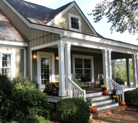 Love this front porch at TalkOfTheHouse. (This is a Southern Living house plan.)