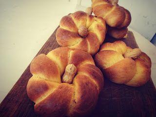 Poly's kitchen: Γλυκά ψωμάκια με κολοκύθα