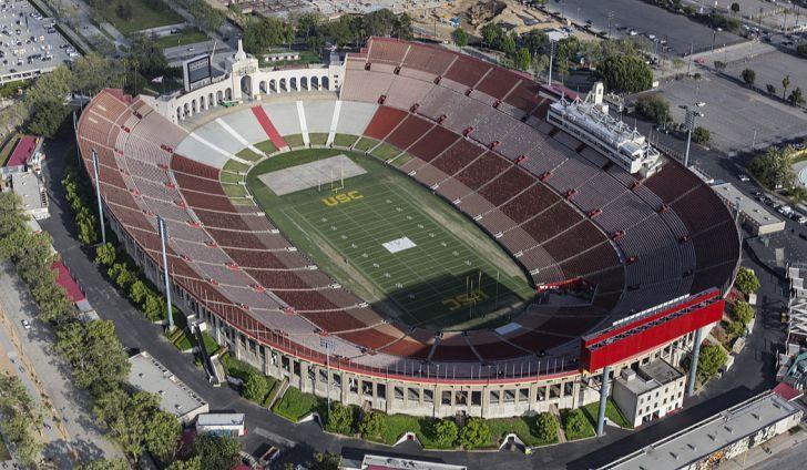 Largest Nfl Football Stadiums Nfl Football Stadium Football Stadiums Nfl Stadiums