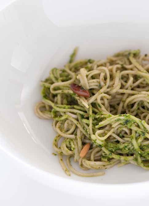 Pasta con pesto minimalista | Cukmi Food Bloggers
