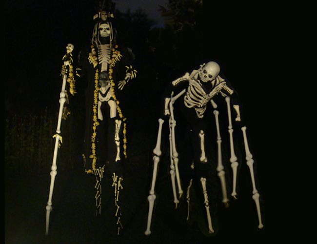 Voo Boo Stilt Walkers  from www.FlamingFun.com:  Call 07788732552 for more info.