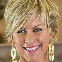 shaggy hairstyle for women over 50