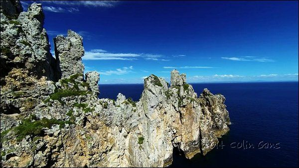 NZ underwater photographer and chair of Seafanz (New Zealand's premier digital underwater photographic society) Colin Gans has a knack for capturing beautiful video using drones. View his magical video of the Poor Knights Islands.
