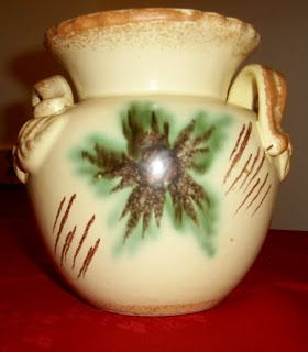 Amazing Glaze and lots of yarn....: Elsterwerda.  The form number -1366/11 . The height is 15 cm.