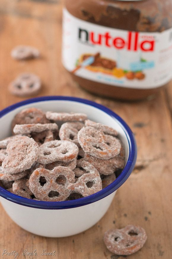 Addictive pretzels coated in Nutella and powdered sugar that take less than 5 minutes to make. An easy family-friendly snack.