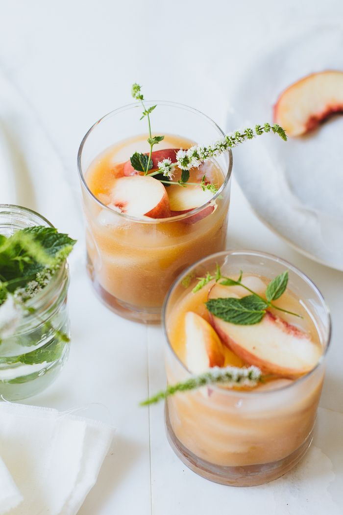 5 minute white peach margaritas | the clever carrot