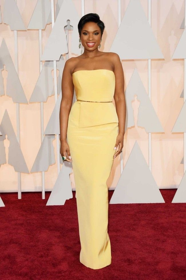 87th Academy Awards: Oscars 2015 red carpet : Jennifer Hudson in Romona Keveza with Jimmy Choo shoes and bag, and Lorraine Schwartz jewelry