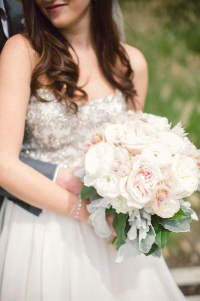 Pretty bouquet: http://www.stylemepretty.com/ohio-weddings/cleveland/2015/02/26/romantic-bistro-wedding/ | Photography: Lauren Gabrielle - http://laurengabrielle.com/