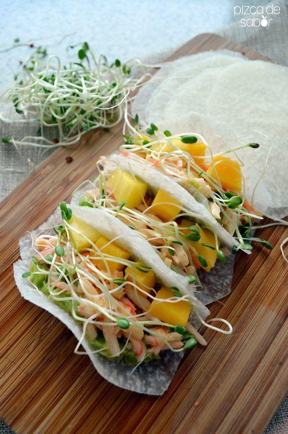 Tacos de jícama con surimi, mango y chipotle   http://www.pizcadesabor.com  MUY INNOVADOR