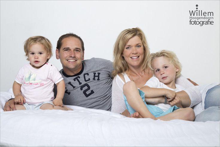 familiefotografie familieportret gezin in mijn studio in Woerden.