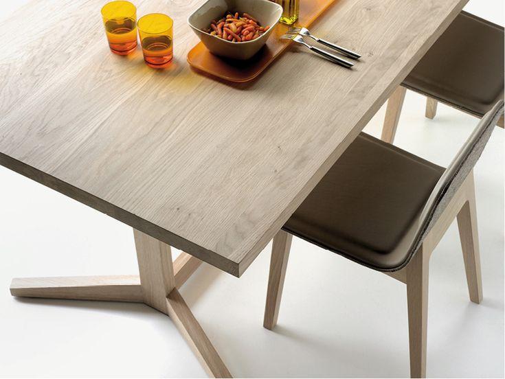 Alki Kuskoa Table in Oak by Jean Louis Iratzoki