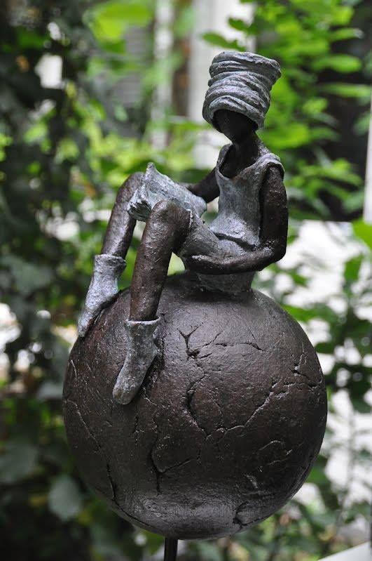 #Inspiratie #Tuinbeelden #MazzTuinmeubelen (escultura de Gerreke van Veen)