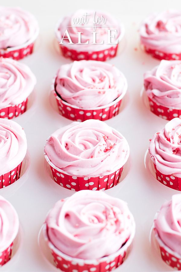 Rasberry frosting, bingebærfrosting, cupcakes. www.matforalle.no