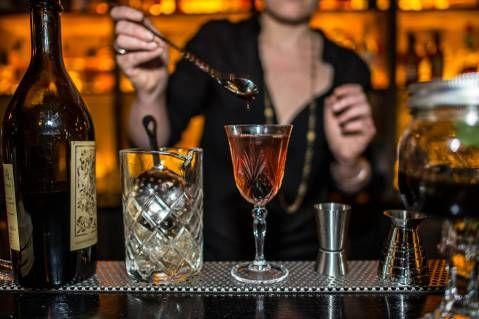 le Moonshiner (speakeasy bar) 5 rue Sedaine 11