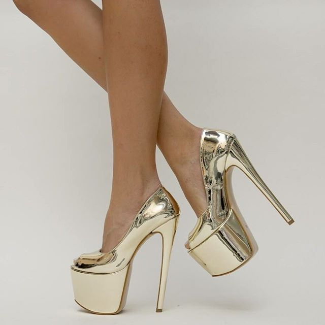 Pantofi Sinty Aurii 2 Pret: 169.00 Lei - detalii pe site #highheels #fashion #shoes #heels #wedges #flatshoes #sepatumurah #supplierheels #ootd #suppliersepatumurah #sepatu #beautiful #outfit #highheelshoes #supplierflatshoes #highheelsmurah #sepatucewek #wedgesmurah #girl #style #instafashion #sepatukets #wedgescantik #supplierwedges