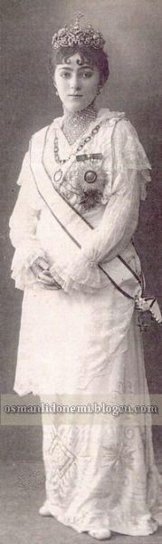 Osmanlı Hanedan Fotoğrafları V. Mehmed Reşad - Mehmed Ziyaeddin Efendi'nin kızı Behiye Sultan