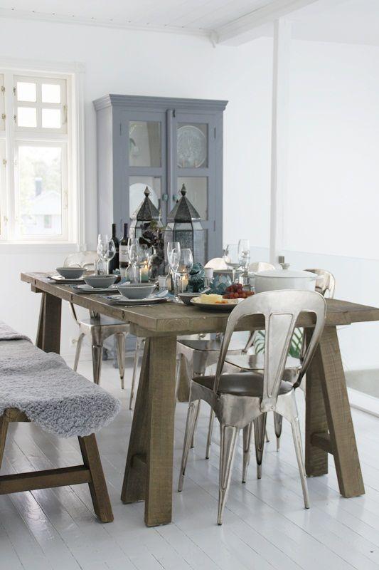 Svenngården: Spisestue - Før og etter