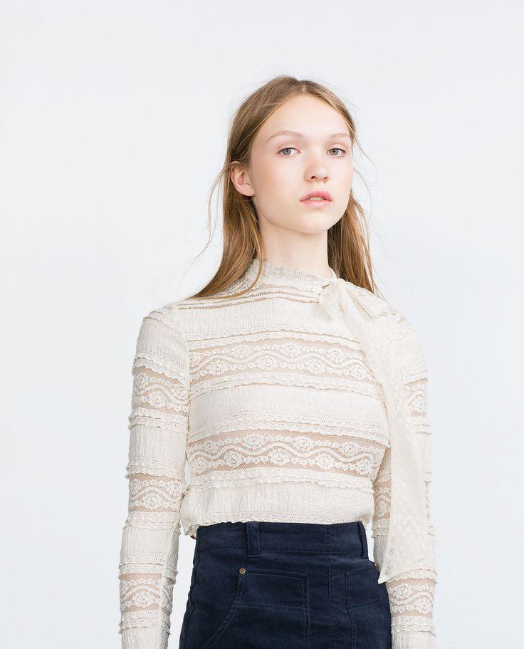 БЛУЗА С КРУЖЕВОМ И БАНТОМ - Блузы и рубашки - TRF | ZARA Российская Федерация