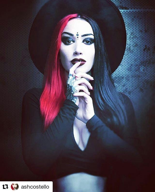 female gothic My teaching and research focus mainly on women's writing, with special interests  in historical fiction and the female gothic i teach the first year module,.