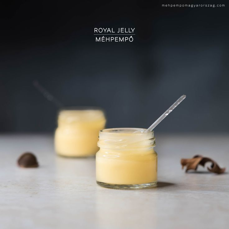 A méhpempő egy rendkívüli tápanyag, mely egyedüli az állat és rovarvilágban. Olyan sokoldalúan felhasználható az egészség és a szépség érdekében, hogy számos terméket helyettesíthetünk vele. Tapasztalatok szerint felfrissíti, új életre kelti a testet, egészségesen tartja a csontrendszert és az ízületeket. Mehpempo, mèhpempő, royal jelly, tiszta mehpempo, termeloi mehpempo, mehpempo ar, mehpempo vasarlas