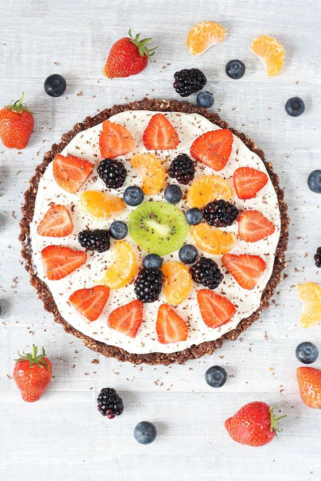 Healthy No Bake Fruit Pizza. A fantastic gluten and grain free dessert for the whole family!