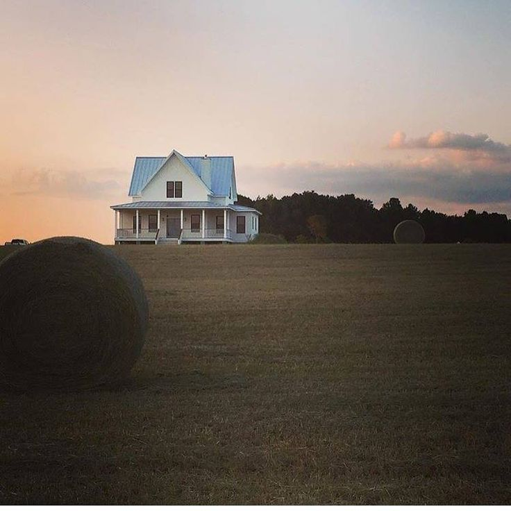 Best 25 old farmhouses ideas on pinterest wide plank for Wrap house covington