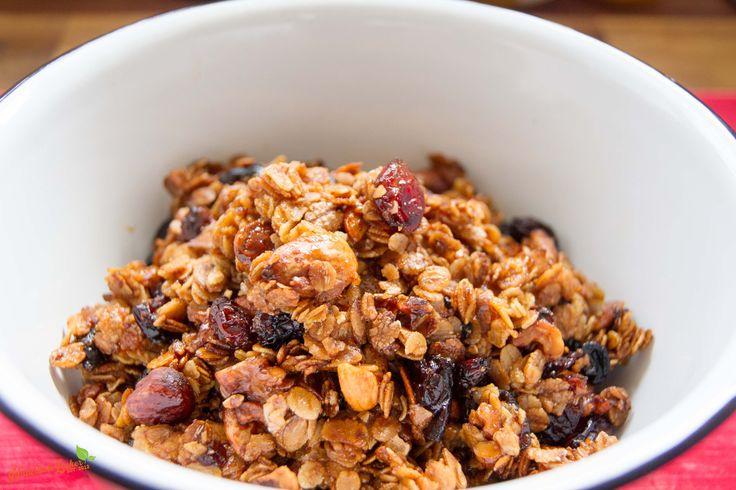 granola selber machen ist ganz einfach und ist eine amerikanische abwandlung unseres m sli. Black Bedroom Furniture Sets. Home Design Ideas