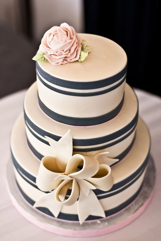 Clásica y ModernaFondant Bow, Nautical Wedding, White Cake, Ideas, Navy Stripes, Stripes Cake, Wedding Cakes, Bows, Pink Cake