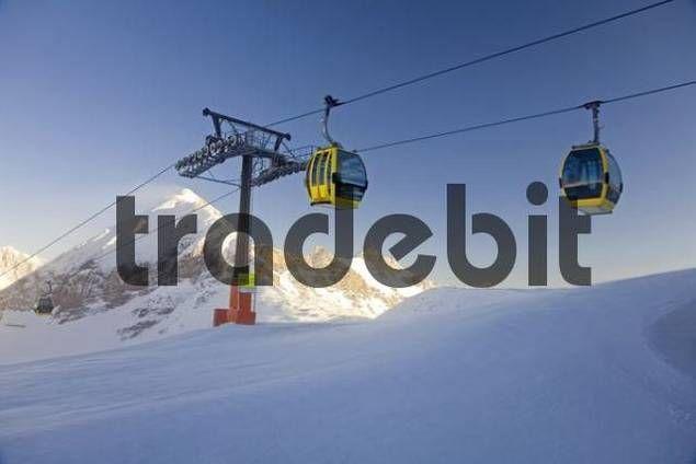 Gondola lift going up to Mt. Zehnerkar Obertauern Salzburg Province Austria Europe