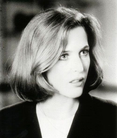Gillian Anderson doing what Jennifer Aniston couldn't; making a bad haircut look good.