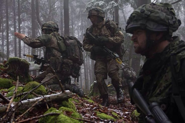 @MilitaryPorn: Danish Army Officer cadets on exercise with British Army Officer cadets, Bavaria, Nov 2013