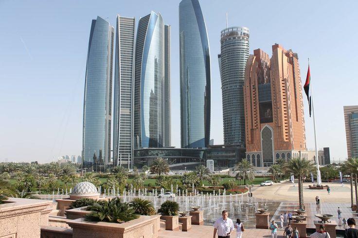 Abu Dhabi #Dubai #AbuDhabi #Fujairah #Sharjah #AlAin #rundreise #arabische #emirate #eberhardt_travel #reise #travel #eht #richtigreisen # PalmJumeirah #MallofEmirates #BurjKhalifa #BurjalArab #MadinatSouk #wüstensafari #jeep #ShaikhZayedMoschee