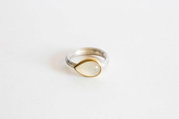 online shop moonstone ring.jpg