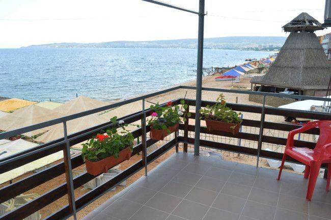 №043. Феодосия снять двухкомнатный номер в эллинге  с видом на морена Черноморской набережной.