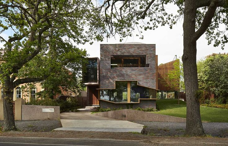 Lake Wendouree Residence by John Wardle Architects. Photo by Peter Bennetts | Yellowtrace