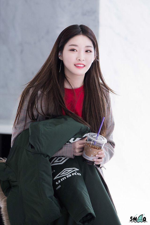 Pin By Lulamulala On Chungha Korean Girl Kpop Girls Korean Fashion