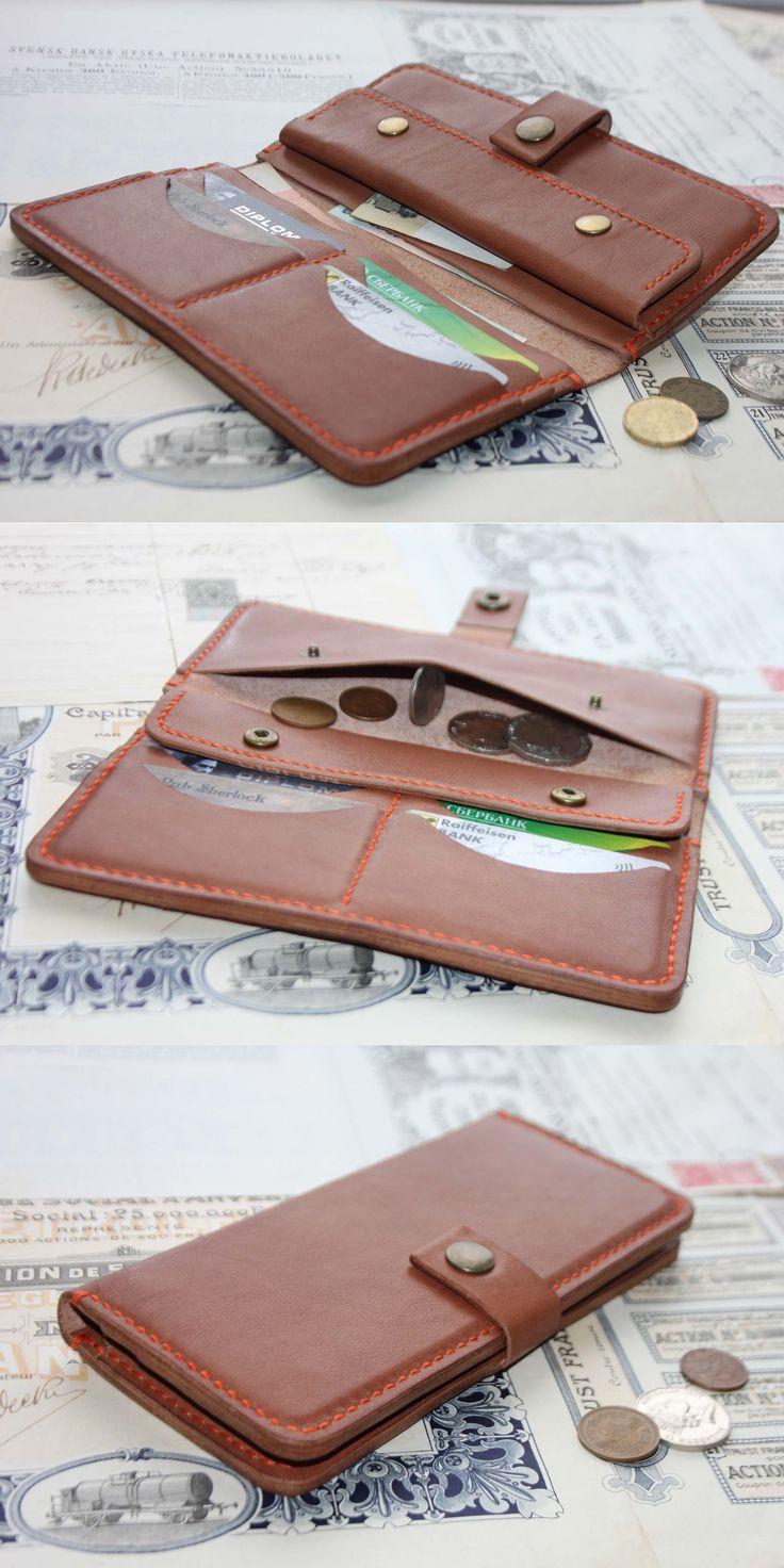 Woman Leather Wallet / Женский кожаный кошелек. Три отделения для банкнот, четыре кармашка под пластиковые карты и отделение под мелочь, закрывающееся на две кнопки.