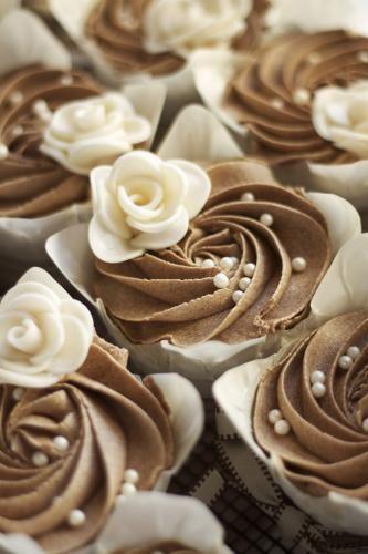 <3 <3 ADD diy www.customweddingprintables.com #customweddingprintables... Wedding Cupcake Ideas [Slideshow]
