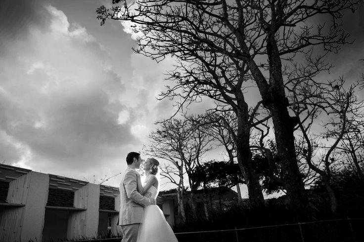 #weddingphotography #weddings #baliweddings #destinationweddings #engagement #love #alilavillasuluwatu #weddingphotographer