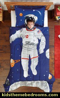 Create your own astronaut-themed bedroom with this adventurous Space Explorer kids' bedding, featuring a comforter and sham set. Machine washable for easy cleaning, this blue bedding is finished in ultra-soft microfiber.