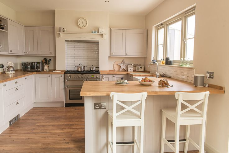 Our Shaker Modern Farmhouse / Country inspired kitchen diner with wood flooring, rangemaster double over, wood worktops, and belfast sink. A little pic to give you some kitchen diner home decoration ideas and inspiration! See the whole makeover