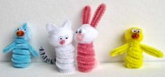 Pipe cleaner finger puppets - cute and easy idea.