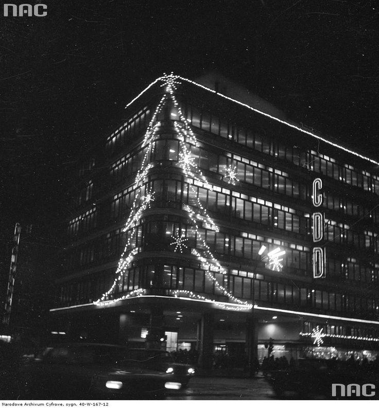 Świąteczne iluminacje w stolicy w 1969 roku [Unikalne zdjęcia]