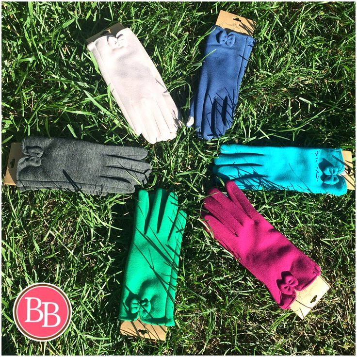 How ADORABLE are these NEW Bow Smartscreen Gloves!!! We know you'll need a pair to match your winter coat this season! So many colors--which will you choose?? #BBGirls #BowGloves #smartscreen #style #cozy {www.brandisboutiqueshop.co}