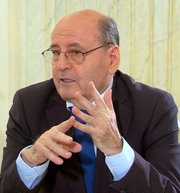 Profesorul Dumitru Constantin Dulcan (77 ani) este reputatul medic neurolog şi psihiatru care şi-...