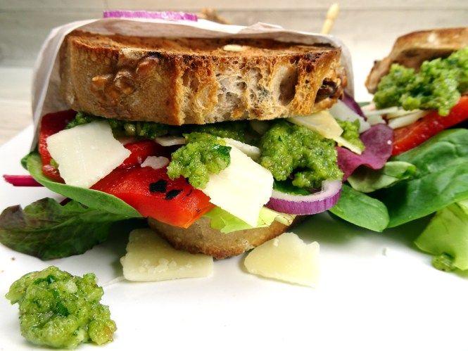 sandwich mit walnusspesto http://liebesseelig.blogspot.de/